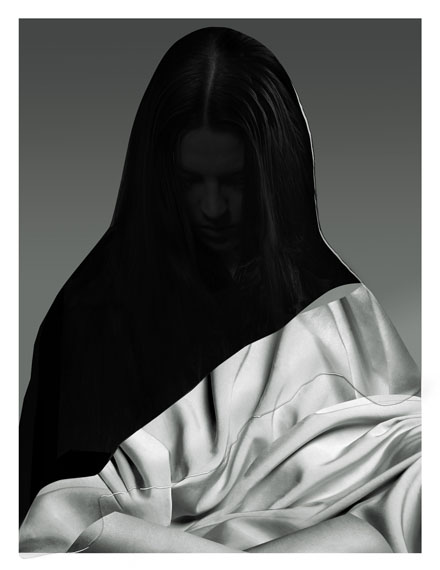 Drape 2015 © Freudenthal/Verhagen, courtesy The Ravestijn Gallery