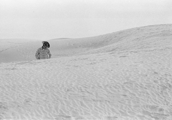 Cowboy in Dunes© Thomas Hoepker / Magnum Photos
