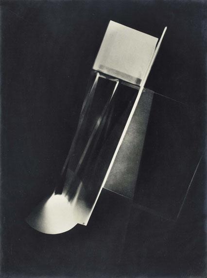 Lot 219LAZSLO MOHOLY-NAGY (1895-1946)Fotogramm, 1922 (1926 dans le Catalogue Raisonné)€100,000–150,000