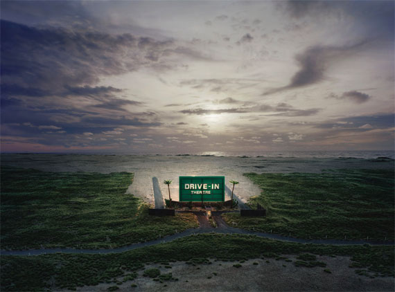 Thomas Wrede: Drive-In Theatre, 2009, C-Print, 140 x 190 cmAus der Serie: Real Landscapes © Thomas WredeCourtesy Beck & Eggeling / Mike Karstens