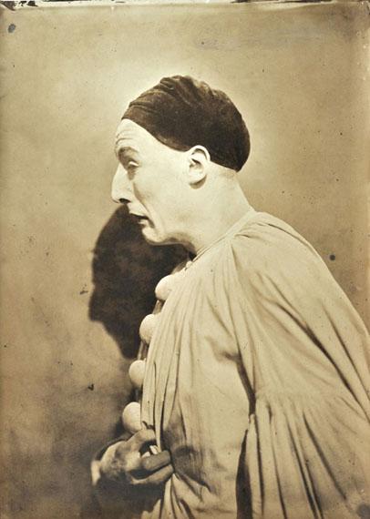Adrien Tournachon (1825-1903)Le mime Charles Deburau posant pour la série « Têtes d'expression », France, 1854Tirage sur papier salé – 29 x 21,7cm© Courtesy Lumière des Roses
