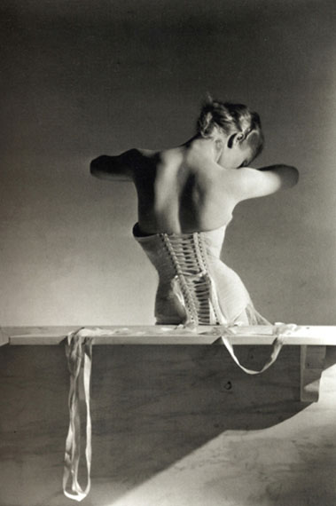 Horst P. Horst. The Mainbocher corset. Paris, 1939