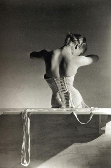 Horst P. Horst. The Mainbocher corset. Paris, 1939