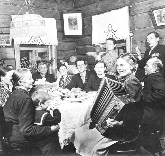Oleg Knorring. Collective farm feast, 1952