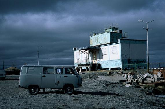 "© Ulrike Ottinger ""Hafen Anadyr. Chamissos Schatten"" / Courtesy Johanna Breede PHOTOKUNST"