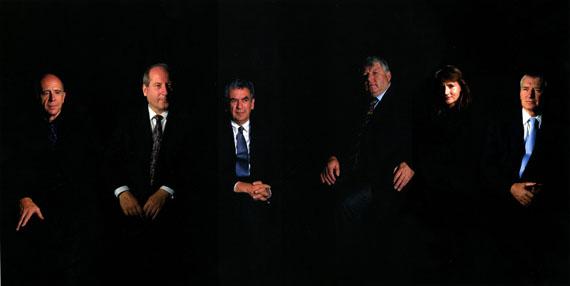 Clegg & Guttmann: Group Portrait of Bundesministers, 2000Courtesy Galerie Nagel Draxler, Berlin/Köln