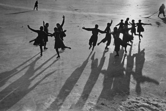 Vladislav Mikosha. On an outdoor icerink, 1936