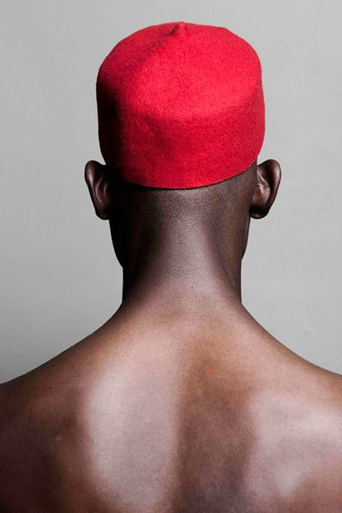 © Lakin Ogunbanwo