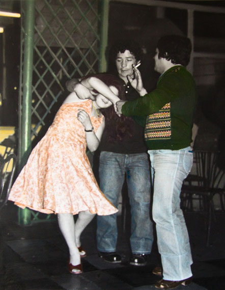 Leonora VicuñaPareja bailando, bar calle San Diego, Santiago, Chile, 1981 / 2009Hand coloured silver gelatin print, 40 x 50 cm, Unique© Leonora Vicuña