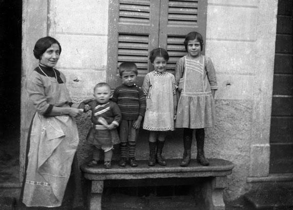 Family Portrait, Bleniotal© Fondazione Archivio Fotografico Roberto Donetta, Corzoneso