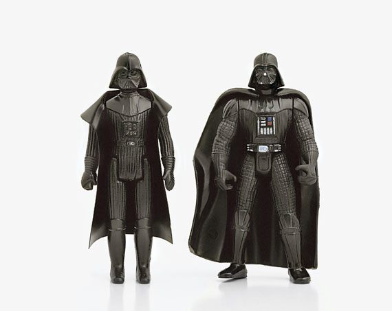 Andrea Robbins y Max Becher. Figuras…: Darth Vader, 2002. © Andrea Robbins y Max Becher