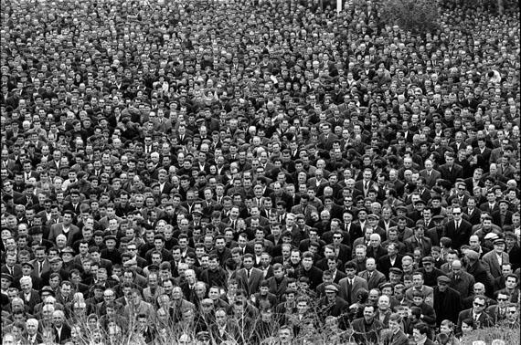 © Michael Ruetz, 'Publikum' Rede von General Papadopoulos, Athen 1969 / Courtesy Johanna Breede PHOTOKUNST