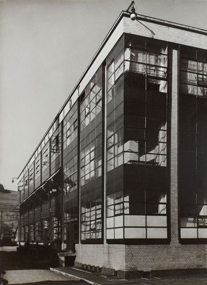 Albert Renger-Patzsch, Faguswerk in Alfeld/Leine, 1928Vintage gelatin silver print. 22.6 x 16.6 cm (22.8 x 16.9 cm).Estimate € 2,000 - 2,500Lot 200 / Auction 1069 The International Style through the Eyes of Photography