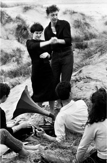 Gianni Berengo Gardin: Lido di Venezia 1959Courtesy Fondazione FORMA per la fotografia Milano