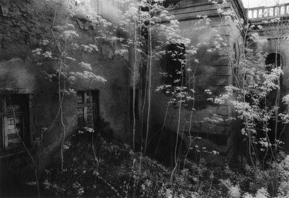 """Andréas Lang""""Das Schloss/The Castle""""Polen/Poland, 2005Silbergelatineabzug, 30 x 40 cm© Andréas Lang, VG Bild Kunst"""