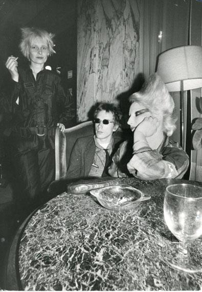 Johnny Rotten, Jordan and Vivienne Westwood, 1976 © Ray Stevenson, Courtesy Rex Shutterstock