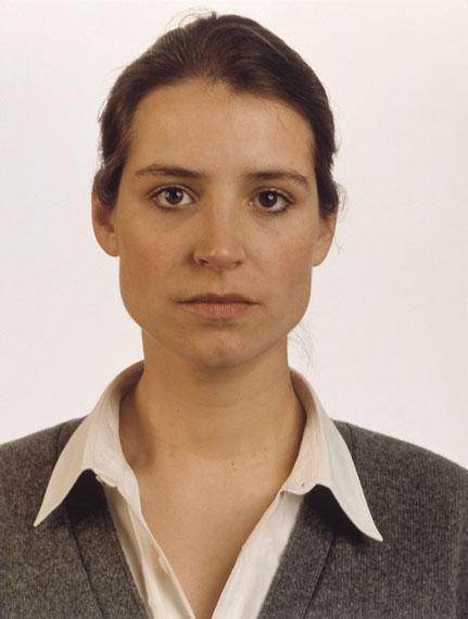 Thomas Ruff: Portrait C. Pilar, 1989, Farbfotografie, Städtische Galerie Karlsruhe, Sammlung Garnatz© VG Bild-Kunst, Bonn 2016