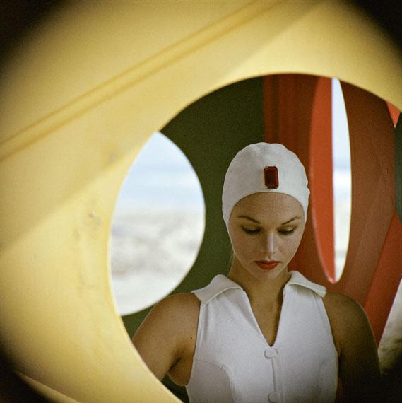 Jeweled Cap, Malibu, California, 1958© Gordon Parks / The Gordon Parks Foundation