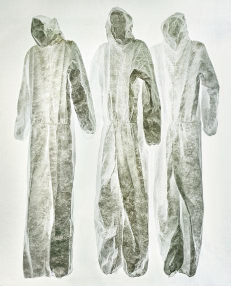 "Sonja BraasSuits, aus der Serie ""An Abundance of Caution"", 2015Pigment Print, 172 x 140 cmEdition: 8+2 AP"