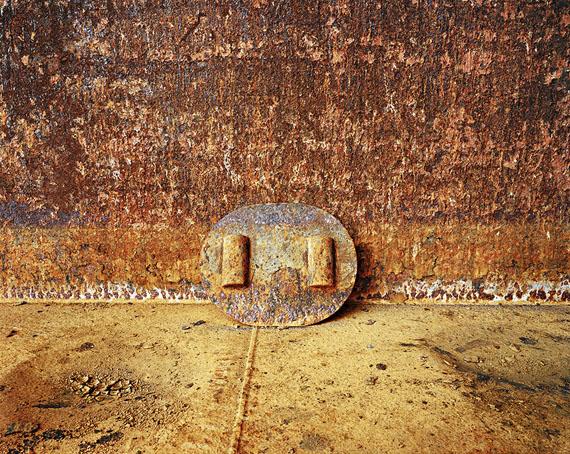 Edward Burtynsky: Shipbreaking #45, Chittagong, Bangladesh, 2001, 99 x 124 cm © Edward Burtynsky