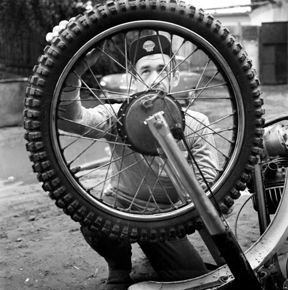 Valentin Khukhlaev, Preparation for a competition at Plant ZIL sport base. Moscow, 1968