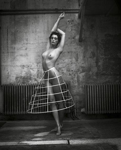 Nude, Ivry-sur-Seine, 2015 © Vincent Peters