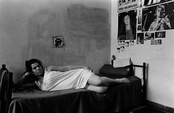 """Adriana Lestido: aus der Serie """"Frauen in Gefangenschaft"""", 1991-93"""