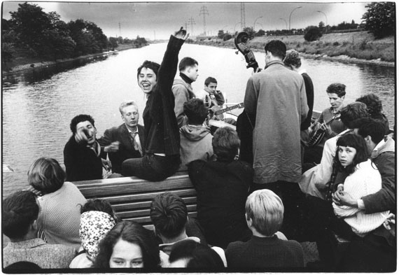 Riverboat Shuffle, Berlin, 1959 © Will McBride Estate, Berlin