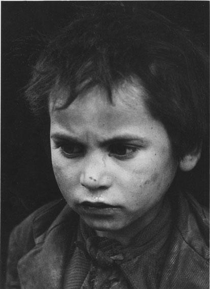 Petit mendiant à Tolède, Espagne, 1954© Sabine Weiss