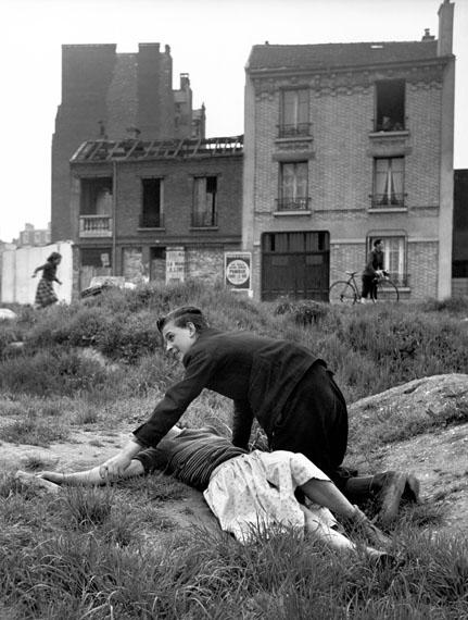 Terrain vague, Porte de Saint-Cloud, Paris, 1950© Sabine Weiss