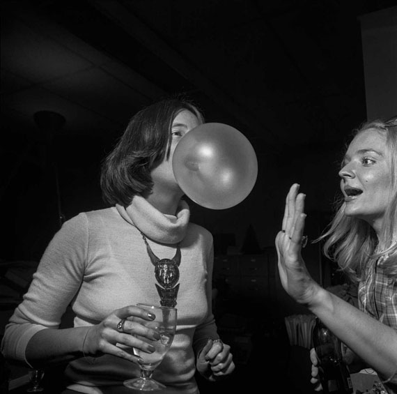 Larry Fink, New York Magazine Party, New York City, October 1977, aus Social Graces, 1984 © Larry Fink