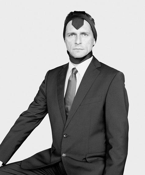 Jürgen, 2016, Silbergelatineabzug, kaschiert auf Aludibond, in 60 x 50 cm und 100 x 83,4 cm© Loredana Nemes