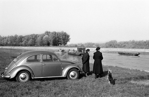 DANUBE REVISITED. THE INGE MORATH TRUCK PROJECT