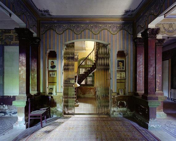 """Thomas Jorion: Serie """"Vestiges d'Empire"""", Maison privée, entrée, delta du Mekong, Vietnam, 2015"""