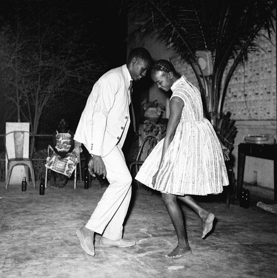 Malick Sidibé: Nuit de Noël (Happy Club), 1963© Malick Sidibé, Art Collection Deutsche Börse