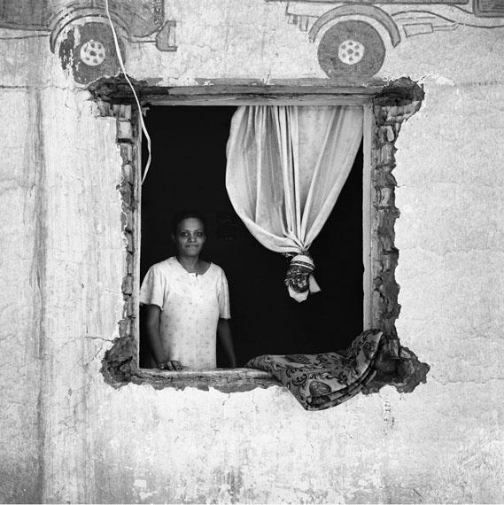 Sean HemmerleHousewife, Baghdad, 2003Gelatin Silver print40 x 40 cm© Sean Hemmerle