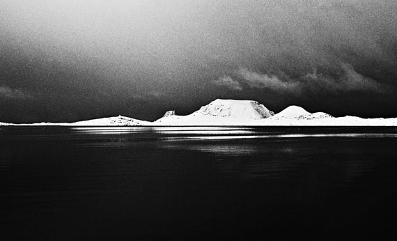 Kåre KivijärviVerdens ende/Grense/Stappene/Gjesvaerstappene (Worlds End/Border)1965Silvergelatin vintage print30 x 40 cm