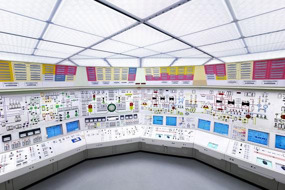 Luca Zanier: Beznau I, Kernkraftwerk Beznau, Kommandoraum 2011 © Luca Zanier