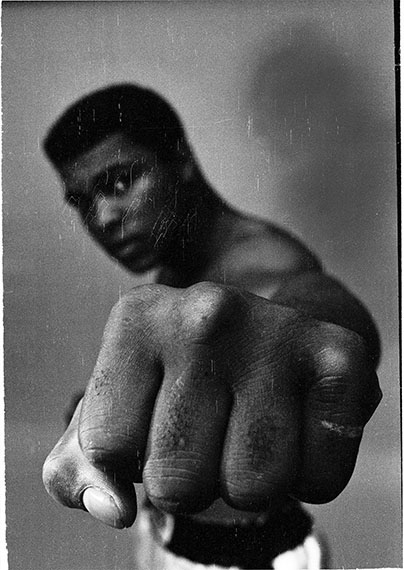 Ali left fist, London, 1966, 60 x 50 cm, Baryt Print, Edition of 20, signed and stamped© Thomas Hoepker