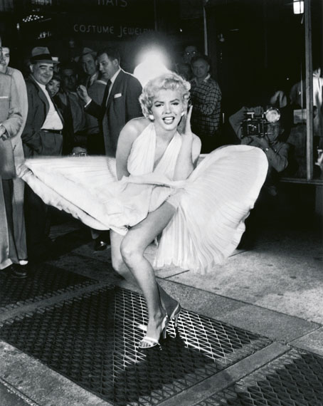 SAM SHAW: Marilyn Monroe, New York City 1954 (Das verflixte 7. Jahr) © Sam Shaw Inc. - www.shawfamilyarchives.com