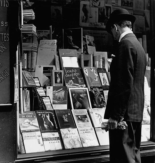 © Wolf Suschitzky, Charing Cross Road #2, London, 1937