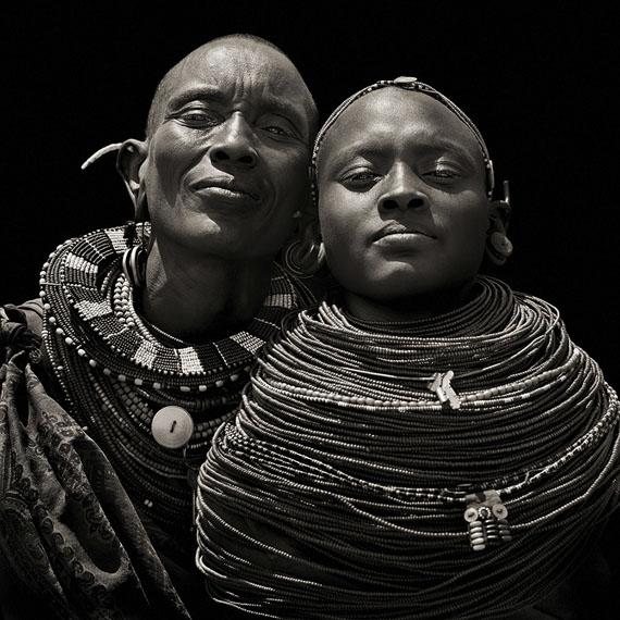 © Dana Gluckstein, Dignity # 29, Samburu Women, Kenya, 1985