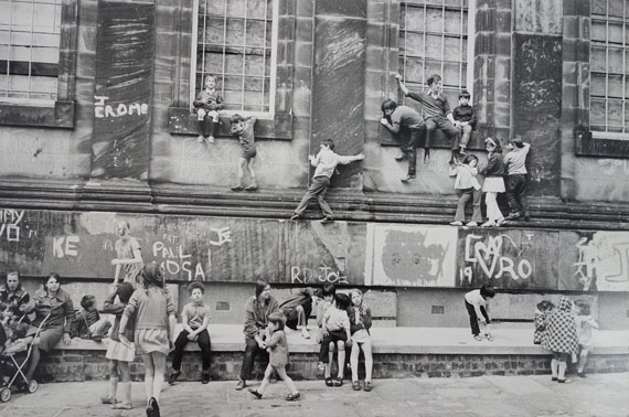 Outside the Black-E Art Centre, Liverpool, 1973 © Neil Libbert, Courtesy Michael Hoppen Gallery