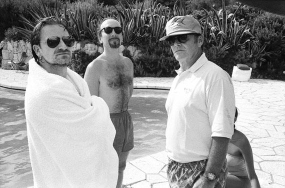 Jean PigozziBono, The Edge and Jack NicholsonAntibes, 1994, © Jean Pigozzi