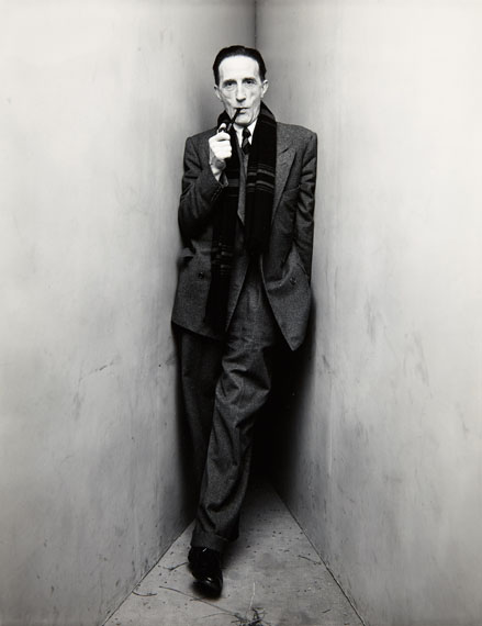 Lot 71IRVING PENN (1917–2009)»Marcel Duchamp (with Pipe in Mouth)«, New York 1948Gelatin silver print, toned in selenium, printed in 198424,3 x 18,8 cm€ 12.000 / € 20.000–28.000