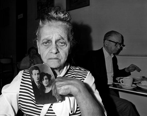 Bessie Gakaubowicz, Garden Cafeteria, New York, 1973‐1976© Bruce Davidson / Magnum Photos