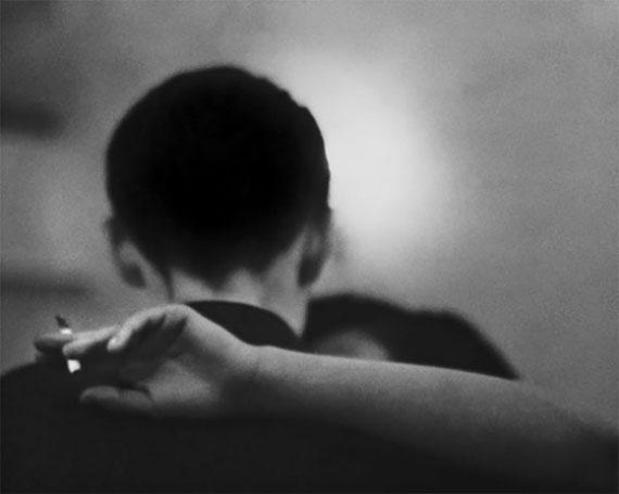 René Groebli   Tanz mit Zigarette, Beryl Chen, London 1953   30 x 40 cm   Baryt-Abzug   Edition 7 & 2AP