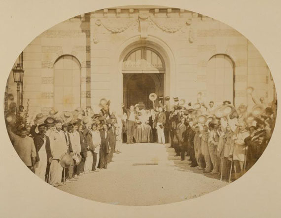 """Lot 50Charles NEGRE (1820-1880)""""Vues photographiques de l'Asile Impérial de Vincennes"""", 18585 000 - 6 000 €"""