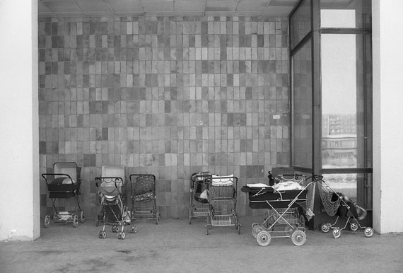 Roger Melis, Marzahn #12, Berlin 198319 x 28 cm auf 24 x 30 cmArchival silver gelatine print, Edition of 7+2ap© Nachlass Roger Melis / Mathias Bertram