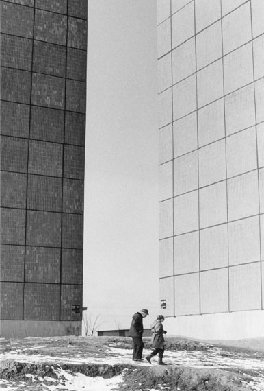 Roger Melis, Marzahn #05, Berlin 198328 x 19 cm auf 30 x 24 cmArchival silver gelatine print, Edition of 7+2ap© Nachlass Roger Melis / Mathias Bertram